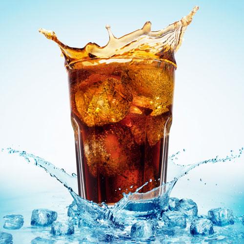 夏天要到了 如果飲料送來不夠冰 或是喝一喝冰塊融化 就失去這杯飲料的美味了