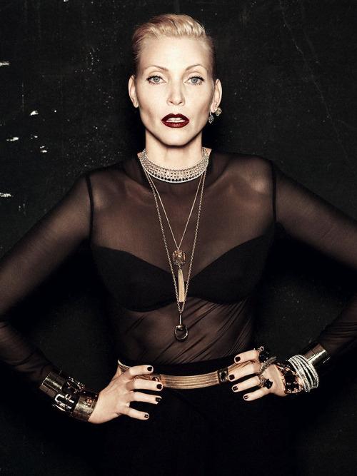 據說90年代身價最高的超模 她就是其中之一