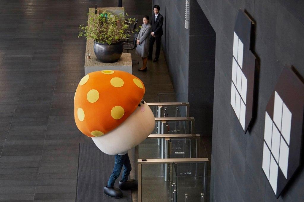 突然間!香菇就生根長腳了XDD 你是上次變身的那個皮卡丘翻版吧XD