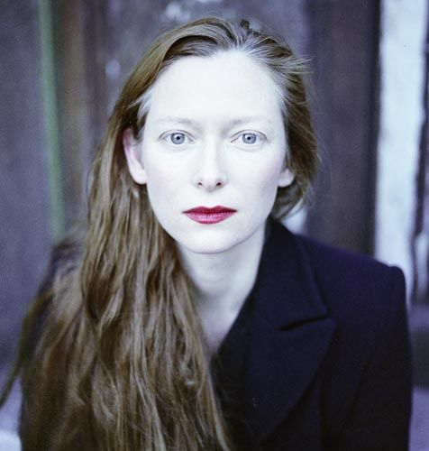 10. 蒂達·史雲頓 (Tilda Swinton / 1960.11.05) 代表作: 《美麗佳人歐蘭朵》、《康斯坦汀:驅魔神探》、《納尼亞傳奇》、《凱文怎麼了?》、《雪國列車》、《噬血戀人》等