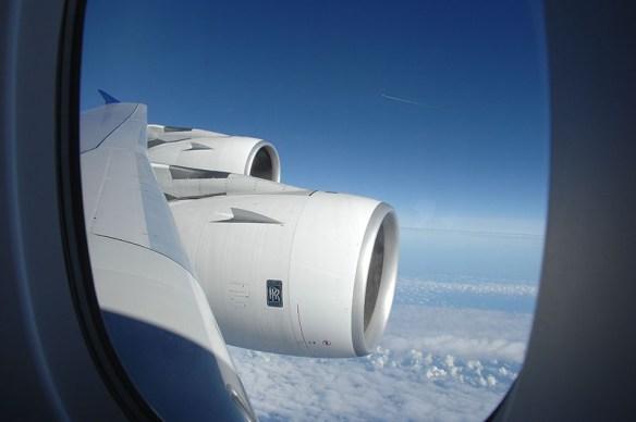 7. 其實坐在機翼旁的位置比較不受亂流影響 相較機頭或機尾穩定的理由是 機翼有更多的機械構造能給予機體更多支撐