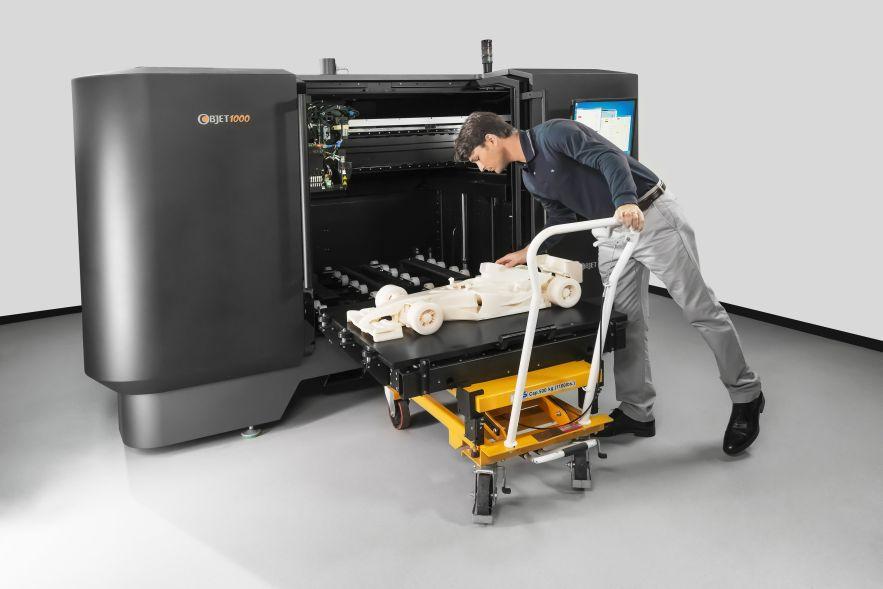 事實上3D列印機問世之後 列印機體形又大又重 一般人根本無法使用