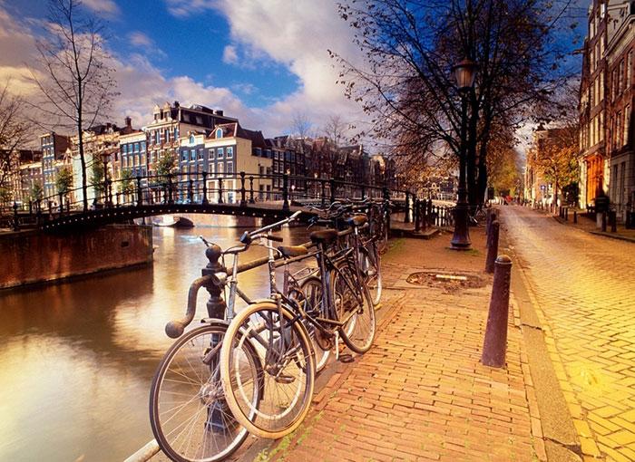▣ 第7名. 阿姆斯特丹(荷蘭首都) 排名一樣與去年無異 宜居性與交通分別占第8跟第3