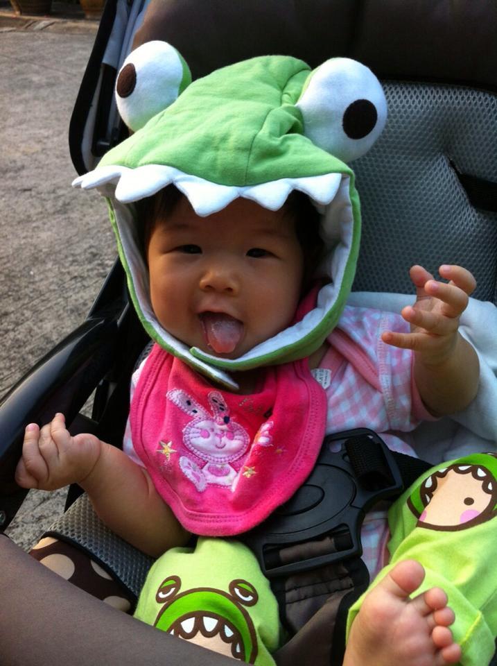 是青蛙...欸...還是鱷魚... 反正他們有時候也會混淆地球生物的角色 XD