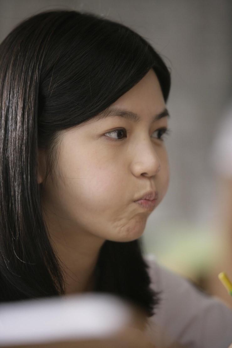 當然~ 除了清純的形象是陳妍希的魅力以外, 她還有一點特別吸引目光!!!
