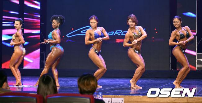 一共有Fitness、Miss Bikini、Muscle mania、 Fiji large、models、figures等六種項目, 並依照選手們的POSE以及演技等作為審查, 最後挑選出優勝者!