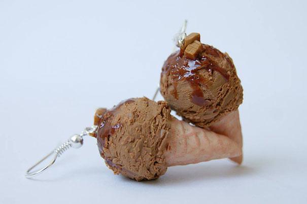 每天都買一個冰淇淋~ 不如把冰淇淋帶在身上! 它們就是冰淇淋耳環~光看就好涼爽啊~