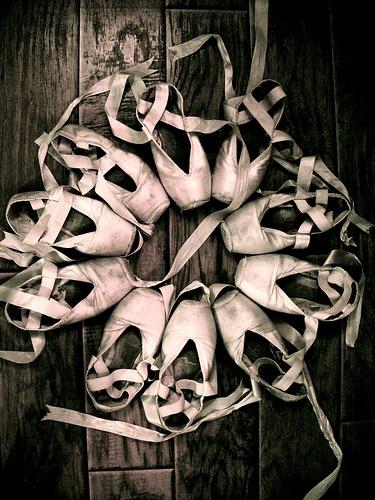 芭蕾舞鞋更是被視為舞者的生命~
