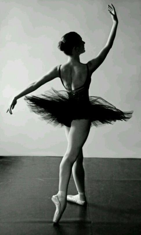 讓我們來欣賞一下舞者們美麗的倩影~
