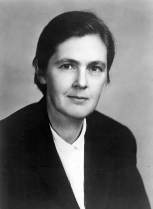 第一個要說的小故事就是一個名叫Frances Kelsey弗朗西斯‧凱爾西的故事  她從1960年開始在美國的衛生福利部食品藥物管理署(FDA)工作了45年。 主要負責批准和許可藥物上市的工作。