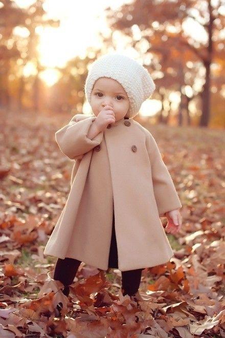 還是小寶貝時,一定要給她最適合的斗篷裝!