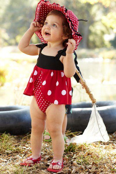 夏天時,還要穿上特可愛的泳裝, 成為泳池中的焦點♥(引以為傲)