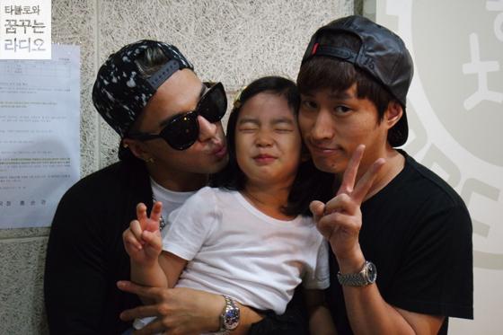 BIGBANG的太陽是EPIK HIGH Tablo女兒Haru的 「Haru癡」~ 深深陷入Haru的魅力中 BIGBANG成員也都知道~