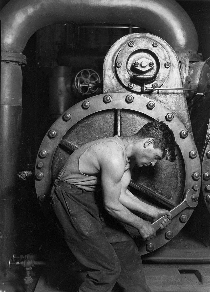 1920年代美國的產業大幅發展, 各種便利的機械,代替了人類的角色。