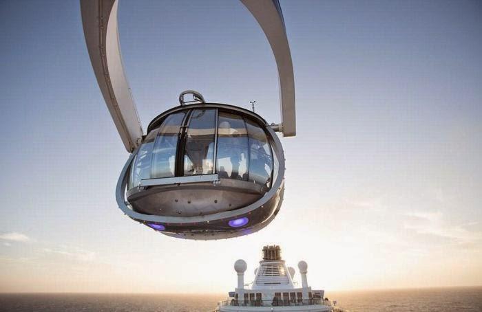 登愣!!!  這個東西叫做「North Star」~ 透明玻璃的包廂內往外遠眺,更加深刻的體驗到海洋與天空的美感!