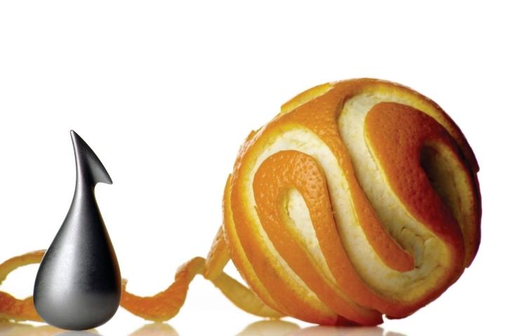 哇哇~沒想到橘子削皮器也有藝術版!!!!!  很適合喜歡現代感十足的朋友們唷~實用又具設計感!