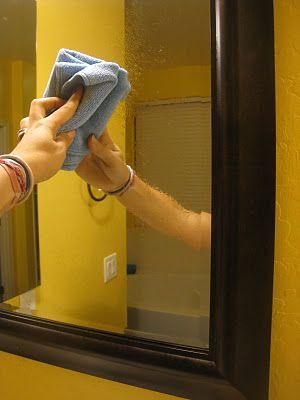 還有一種方法是,把潤絲抹在乾毛巾上擦玻璃。  (但是一定要是乾毛巾,玻璃也要是乾的)