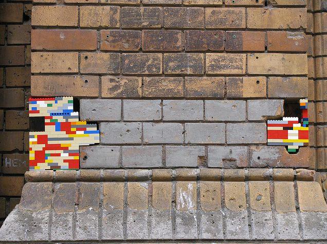 他就是用來蓋模型房子的牆~為什麼不能補真的牆咧?