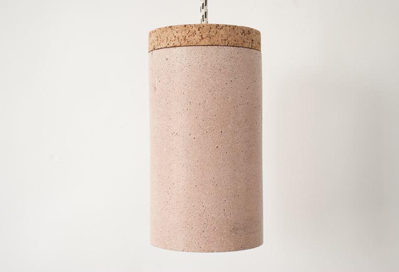 沒錯~這個用軟木塞與水泥一起製作而成的....