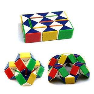 3. 魔術蛇型方塊 千變萬化,在我手上總是可以變出各種造型! 有種自己很聰明的感覺,超有成就感der(笑)