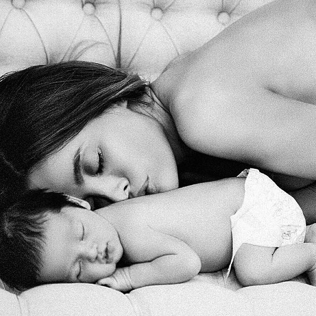 美女媽媽,祝妳的事業、家庭都美滿喔!