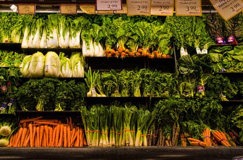 想要補充葉酸的話,可以多加攝取菠菜、蘆筍、綠花椰菜、白菜等綠葉蔬菜! 或是豆類,以及柑橘類的水果,這些都含有充足的葉酸唷!