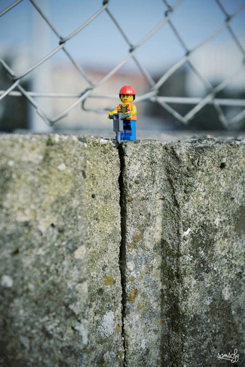 喜歡裝置藝術的法國攝影家Samsofy 他也是樂高積木的愛好者!