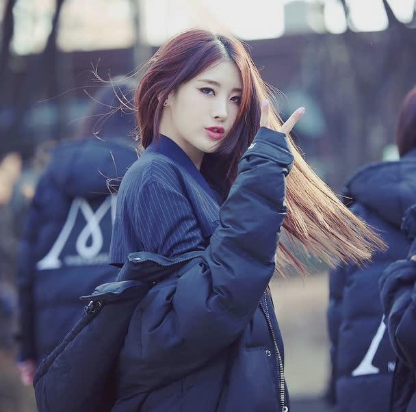 沒錯!韓文一樣都叫做현아(Hyun-A) 但她叫做文懸雅~ 此懸非比泫~