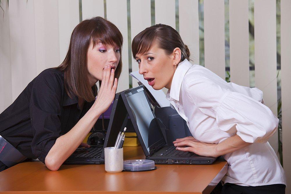在職場上工作久了,有時多少都需要跟不太親近的人對話, 這種時候該怎摸辦呢?