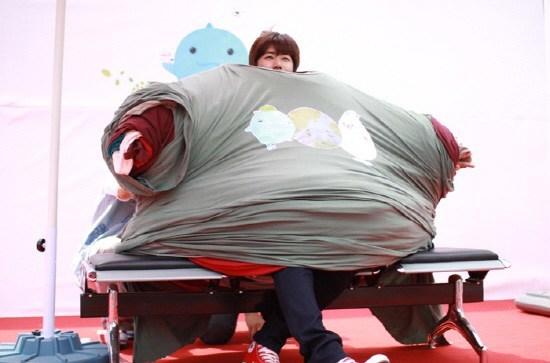 韓國藝人光熙在2011年參加環境保護的活動時, 創下一次穿下252件T恤的金氏世界紀錄