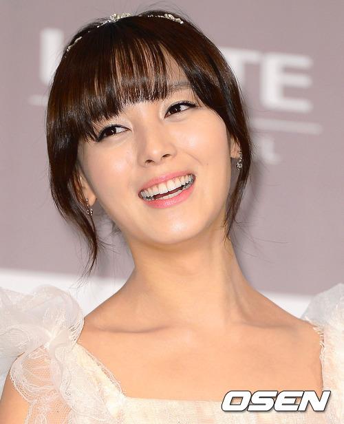 首先呢!已經嫁為人妻的先藝 這次確定不會回歸! 但JYP表示並不是退團~ 只是暫停活動!
