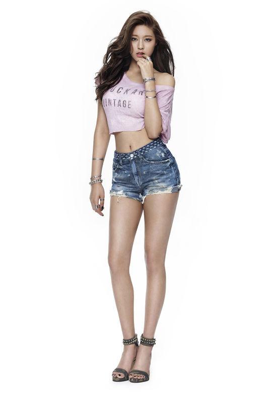 9. AOA 雪炫最近真的頗紅呢~她的身材之讚被大家都注意到了(20歲)