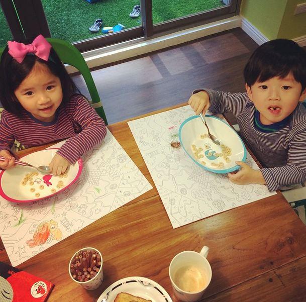 可愛的小姊弟雖然年紀還小,卻很成熟懂事唷!