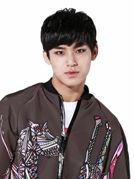9. 珉奎—1997年4月6日(18歲)