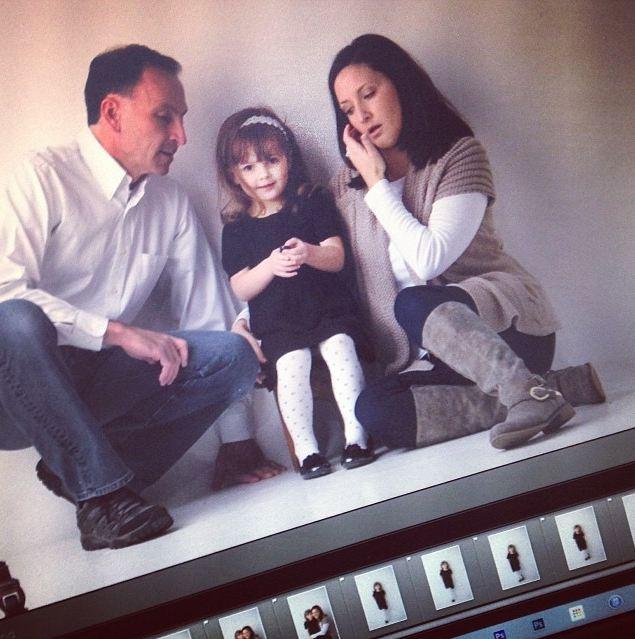 幸福的一家三口♥ 這家子的媽媽有個令人看了會微笑的興趣!