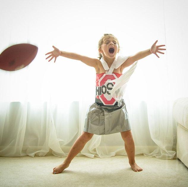 媽媽的神手,就算變身成橄欖球選手都沒問題XD
