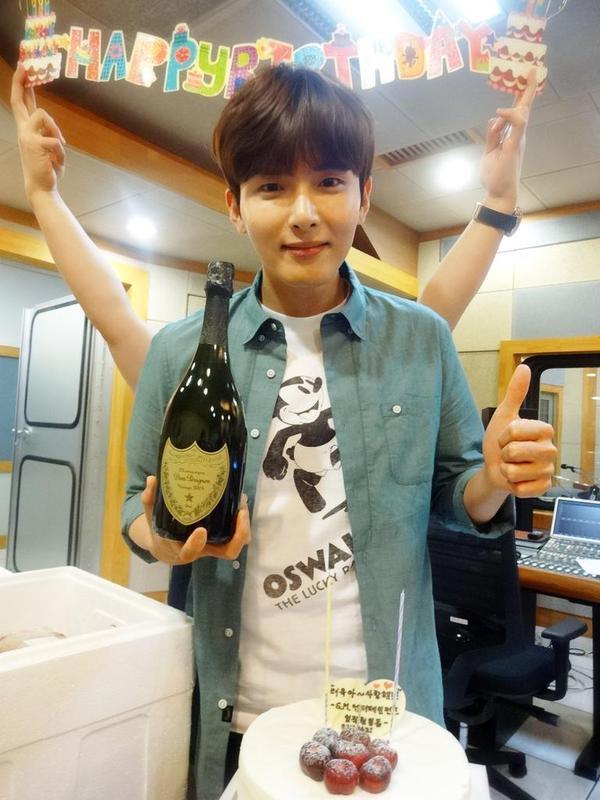9名 Super Junior 厲旭 2,934,715