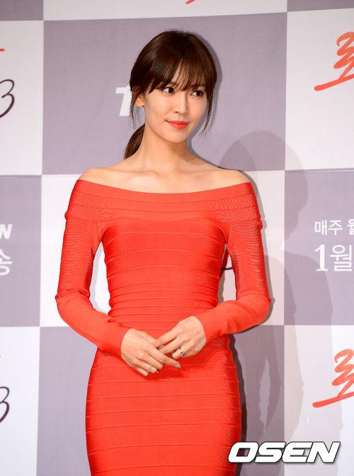 或是像這樣的連身裙!是不是非常有女人味?