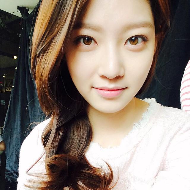 宗泫老婆(我們結婚了)孔升妍有演過《對我而言可愛的她》,今年才22歲,外表是不是有點超齡咧~