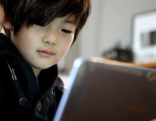 許多人看到這樣的成俊,都說「如果能生出這樣的兒子就太好了」,理想型兒子第一名啊!!!!
