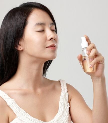 炎熱的夏季,能夠幫助臉部肌膚保濕的眾多保濕噴霧產品,雖然許多朋友們覺得保濕噴霧沒什麼,但它可是很重要的存在唷!今天All that Beauty介紹的好物們~大家趕快去試試看,選擇最適合自己的保濕噴霧吧!