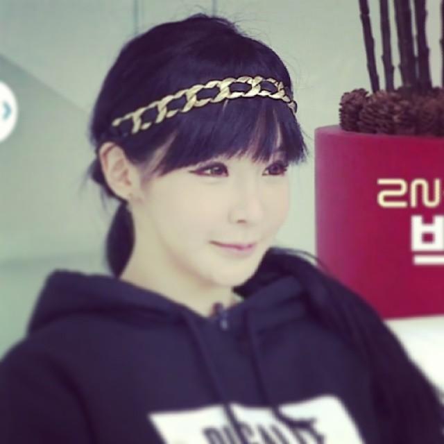 3. 2NE1 朴春