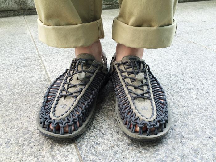 日本品牌的KEEN~是非常易活動的一雙涼鞋!獨特的造型,是不是覺得PIKI小編好潮啊~哈