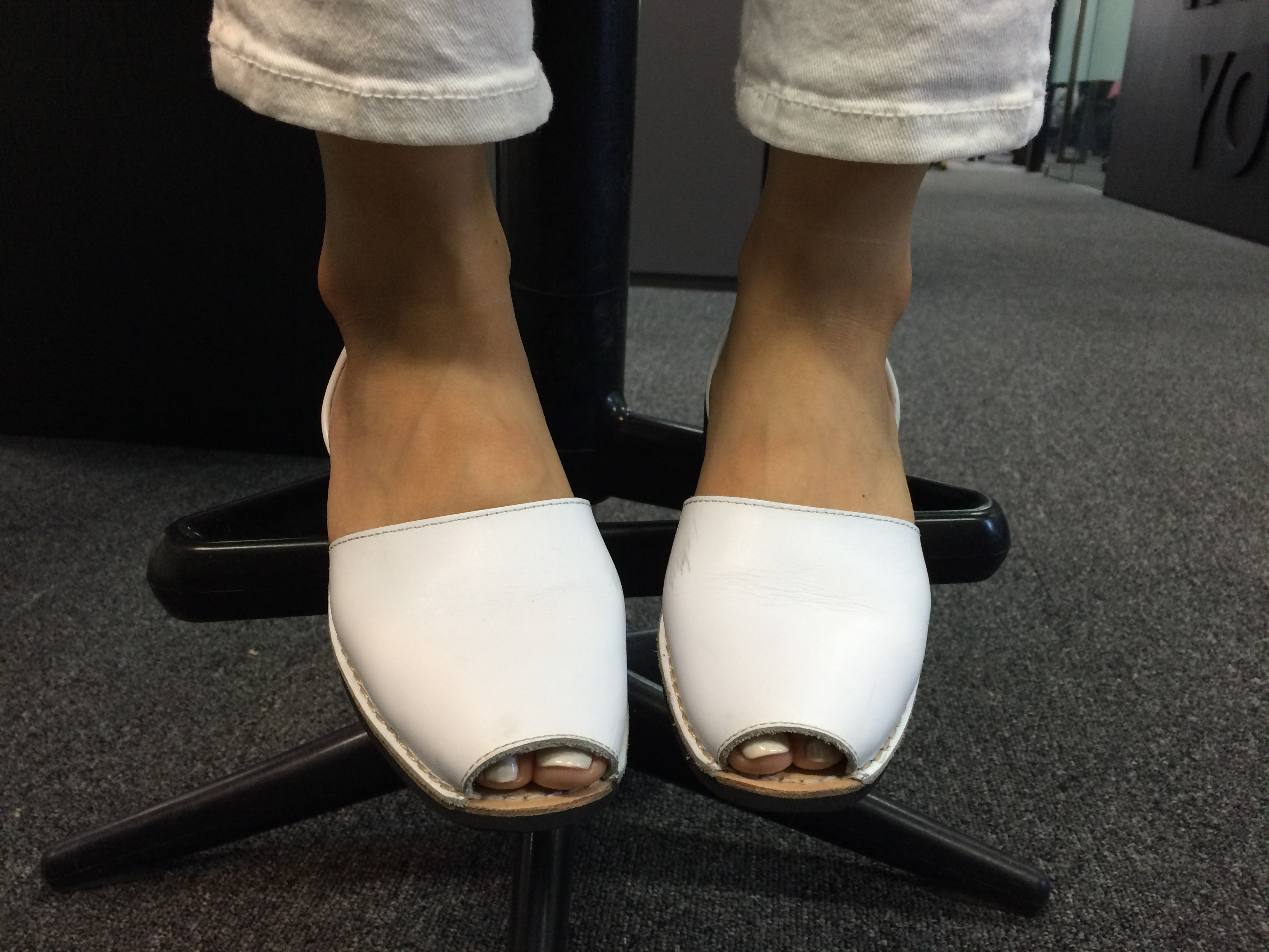 Riudavets的涼鞋是西班牙全國民的國民涼鞋捏!純白的顏色,看起來更清爽~最適合夏天啊!