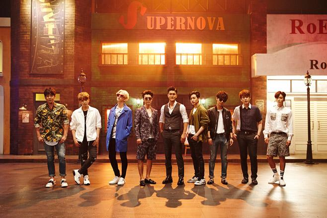 然後再隨著藝聲退伍,2015年7月,Super Junior帶著出道十周年專輯《Devil》回歸