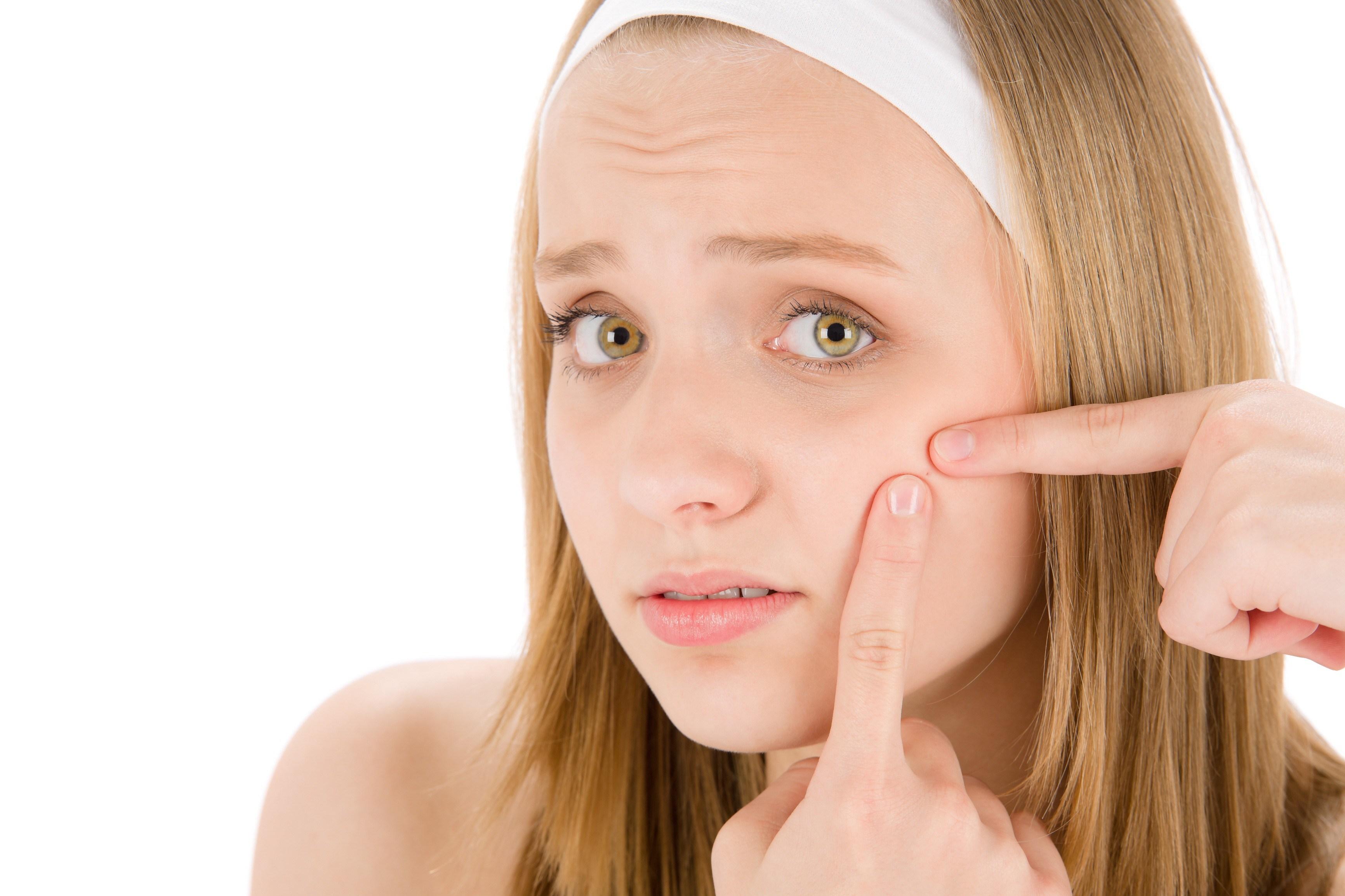 ✭壞成分✭ 1. PEG-8異硬脂酸 2. 三異甘油硬脂酸 雖然能夠幫助皮膚角質軟化,可是也容易導致過敏的成分。
