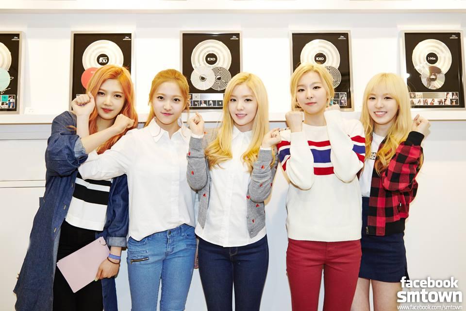 少女時代>=2NE1>>不可接觸地區>>Sistar>Apink>>>>AOA>Girl's Day=EXID>Red Velvet  接下來就是新生代女團之爭了,網友把Red Velvet放最前的原因是,她們是新生代裡面目前唯一拿過音樂節目第一的,而且(音源)好像也有進入前20名!現在似乎還在100名以內。