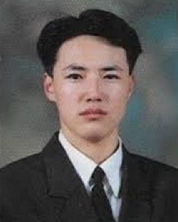 9. 尹尚賢  OMG!!!還以為是哪間軍校的教長!