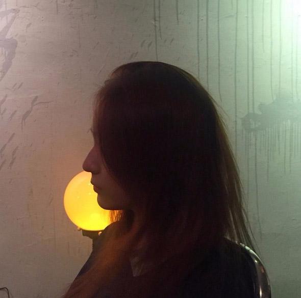 Krystal在自己的IG上面上傳的許多生活照中,也常分享像這種隱隱約約,又神秘,有很有藝術感的照片!