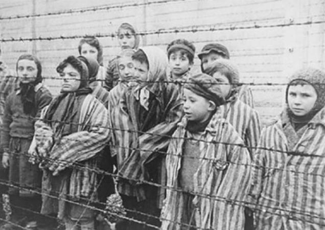 例如,德國納粹人殺了約千萬名的猶太人與少數民族,美國在日本投射了原子彈!